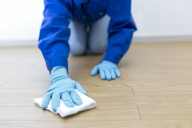 床の拭き掃除