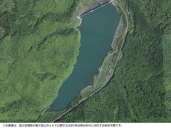 朝里ダム直近の航空写真