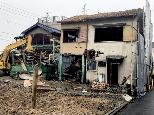 空き家の解体作業
