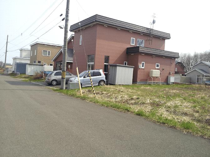 ブラウンの外壁の住宅