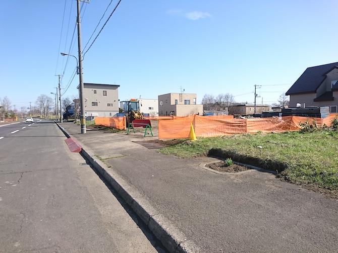 ニュータウンの下水道工事の様子