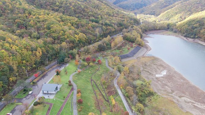 朝里ダムの散策やレクリエーションゾーン