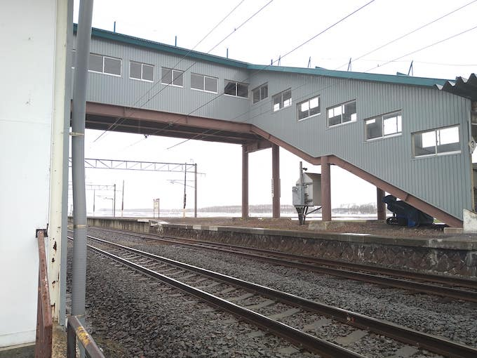 現在の光珠内駅の跨線橋